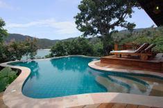 Santhiya Pool Villa