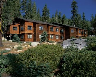 Wuksachi Lodge at Sequoia NP