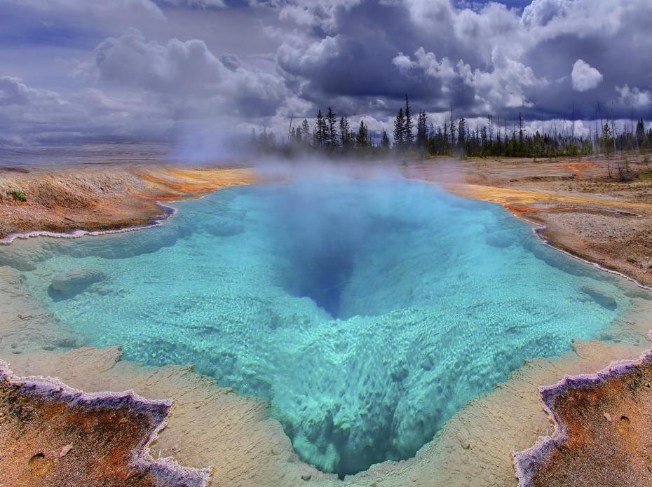Blue Hole Yellowstone - WY