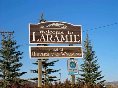 Laramie-Sign