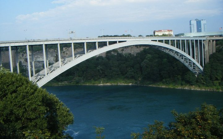Rainbow Bridge - Niagara Falls