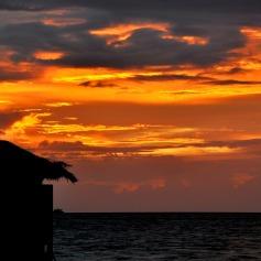 Maldive al tramonto