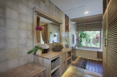 Ubud - Udaya Resort - Bath