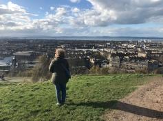Monica a Calton Hill (guardando verso Leith)