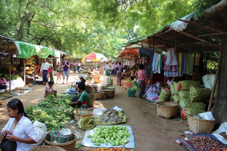 Mercato a Bagan